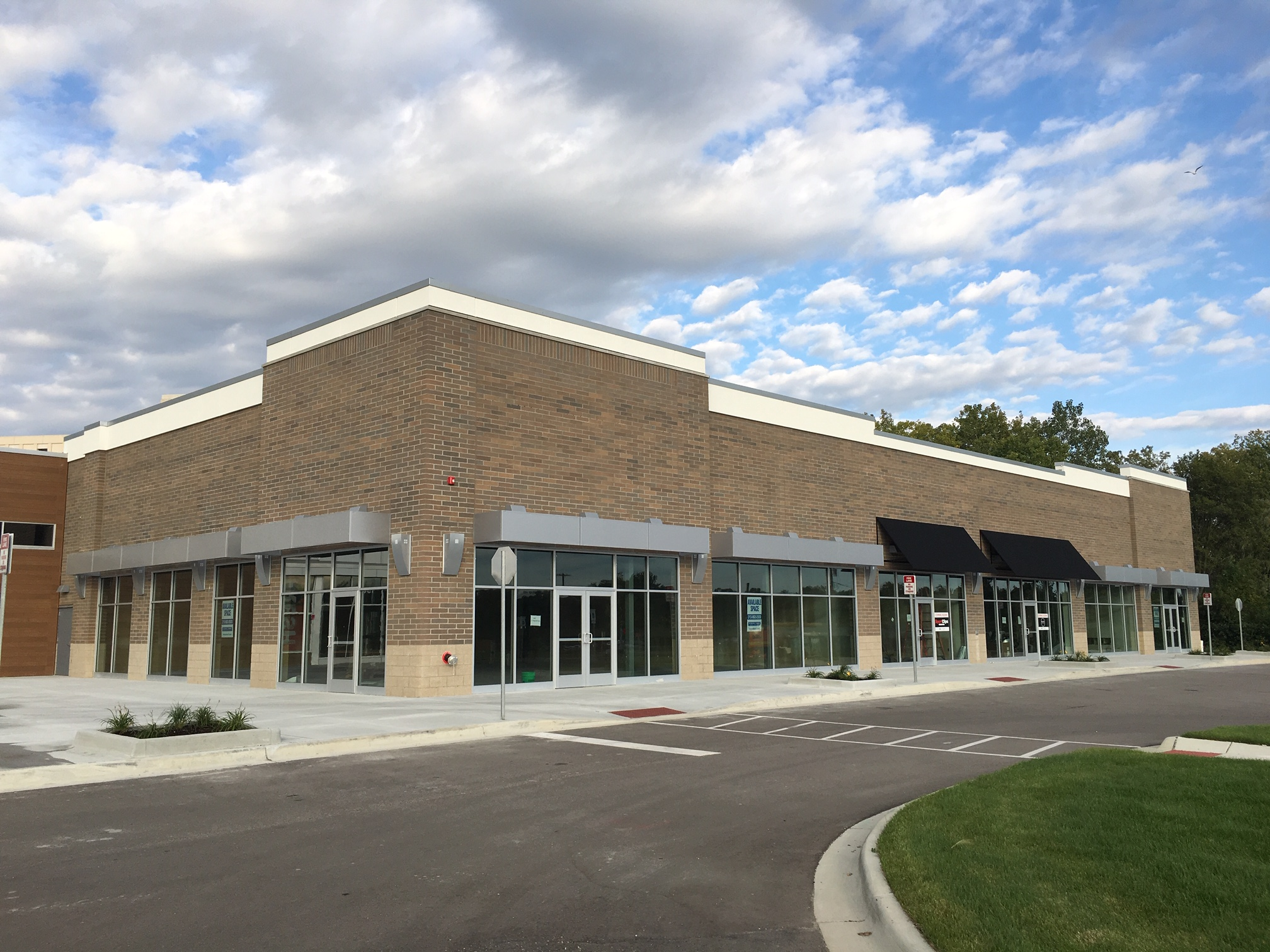 1933 S Telegraph Rd., Bloomfield Hills, Michigan 48302, ,Retail,For Lease,Village at Bloomfield,1933 S Telegraph Rd.,1,1043